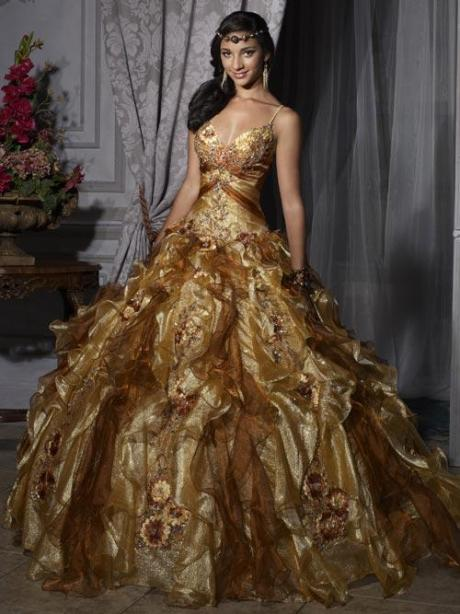 Boldly gold wedding dresses to die for glitz bells for Wedding dresses to die for