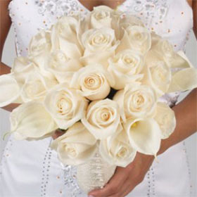 bridal-bouquet-calla-lilies-&-ivory-roses-globalrose